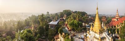https://imgc.allpostersimages.com/img/posters/sunrise-view-from-kyaik-tan-lan-pagoda-mon-state-myanmar-burma_u-L-Q12SCJW0.jpg?artPerspective=n