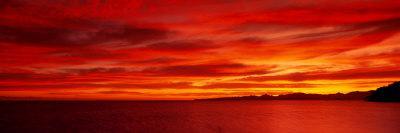https://imgc.allpostersimages.com/img/posters/sunrise-water-mulege-baja-california-mexico-united-states_u-L-OHPGM0.jpg?artPerspective=n