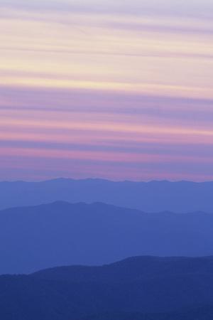 https://imgc.allpostersimages.com/img/posters/sunset-at-clingmans-dome-great-smoky-mtn-national-park-north-carolina_u-L-Q13C6RN0.jpg?p=0