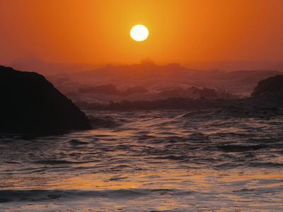 https://imgc.allpostersimages.com/img/posters/sunset-at-seal-rock-oregon-usa_u-L-PHAKK30.jpg?artPerspective=n