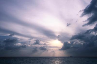 https://imgc.allpostersimages.com/img/posters/sunset-in-filiteyo-maldives_u-L-Q10VEPX0.jpg?p=0