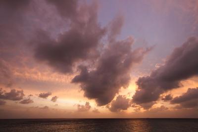 https://imgc.allpostersimages.com/img/posters/sunset-in-filiteyo-maldives_u-L-Q10VES40.jpg?p=0