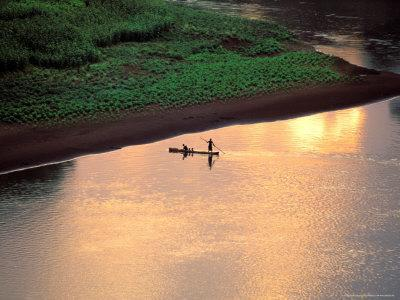 https://imgc.allpostersimages.com/img/posters/sunset-on-karo-men-in-a-dugout-raft-omo-river-ethiopia_u-L-P5852S0.jpg?p=0