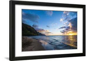 Sunset on the Napali Coast  Kauai  Hawaii United States of America  Pacific