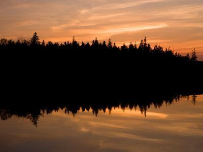 https://imgc.allpostersimages.com/img/posters/sunset-over-bass-harbor-marsh-acadia-national-park-maine-usa_u-L-P49U1B0.jpg?p=0