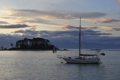 https://imgc.allpostersimages.com/img/posters/sunset-over-haulashore-island-nelson-nelson-region-south-island-new-zealand-pacific_u-L-PQ8RTB0.jpg?p=0