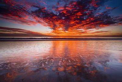 https://imgc.allpostersimages.com/img/posters/sunset-over-the-channel-islands-from-ventura-state-beach-ventura-california-usa_u-L-Q1D0MWP0.jpg?p=0