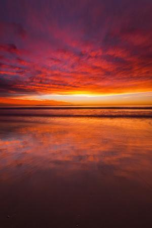 https://imgc.allpostersimages.com/img/posters/sunset-over-the-channel-islands-from-ventura-state-beach-ventura-california-usa_u-L-Q1D0N310.jpg?p=0