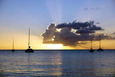 https://imgc.allpostersimages.com/img/posters/sunset-st-kitts-and-nevis-leeward-islands-west-indies-caribbean-central-america_u-L-PWFL5V0.jpg?p=0