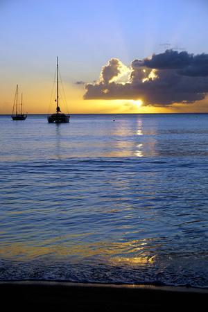 https://imgc.allpostersimages.com/img/posters/sunset-st-kitts-and-nevis-leeward-islands-west-indies-caribbean-central-america_u-L-PWFMII0.jpg?artPerspective=n