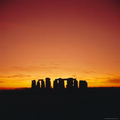 https://imgc.allpostersimages.com/img/posters/sunset-stonehenge-wiltshire-england-uk-europe_u-L-P2QWDX0.jpg?p=0