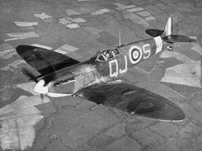https://imgc.allpostersimages.com/img/posters/supermarine-spitfire-mk-vb-1941_u-L-PTUA8Q0.jpg?p=0