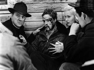 Sur les quais On The Waterfront d' Elia Kazan with Karl Malden, Marlon Brando, Eva Marie Saint, 195