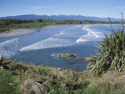 https://imgc.allpostersimages.com/img/posters/surf-rolling-onto-deserted-beaches-greymouth-westland-west-coast-south-island-new-zealand_u-L-P1TPH90.jpg?p=0