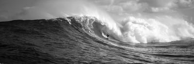 https://imgc.allpostersimages.com/img/posters/surfer-in-the-sea-maui-hawaii-usa_u-L-PXMUFW0.jpg?p=0