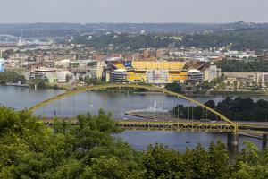 Fort Pitt Bridge, Pittsburgh, Pennsylvania, USA by Susan Pease