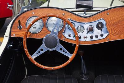 Dashboard of the Vintage Car