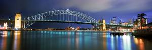 Sydney Harbour Bridge with the Sydney Opera House in the Background, Sydney Harbor, Sydney, New ...