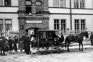 Cholera in Sankt Petersburg, 1908 by SZ Photo