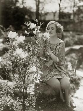 Frau in den 20er Jahren by SZ Photo