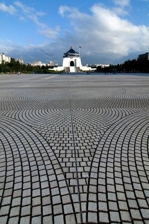 https://imgc.allpostersimages.com/img/posters/taipei-chiang-kai-shek-memorial-hall_u-L-Q1AS59U0.jpg?p=0