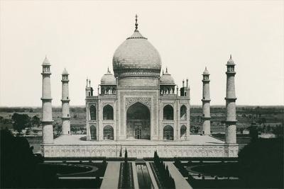 https://imgc.allpostersimages.com/img/posters/taj-mahal-agra-india_u-L-PODBJ90.jpg?artPerspective=n