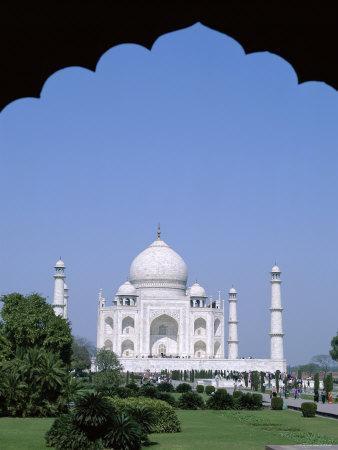https://imgc.allpostersimages.com/img/posters/taj-mahal-agra-uttar-pradesh-india_u-L-P3606F0.jpg?p=0