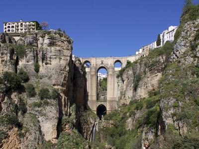 https://imgc.allpostersimages.com/img/posters/tajo-gorge-and-new-bridge-ronda-malaga-province-andalucia-spain-europe_u-L-PFNII30.jpg?p=0