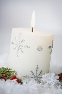 Festive Christmas Candle by Tammy Hanratty