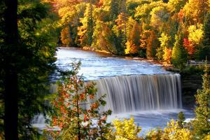Upper Tahquamenom Falls by Tan Yilmaz