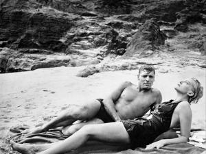 Tant qu'il y aura des hommes From Here to Eternity by FredZinnemann with Burt Lancaster and Deborah