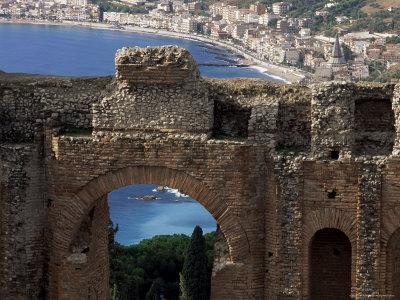 https://imgc.allpostersimages.com/img/posters/teatro-greco-founded-in-the-3rd-century-bc-taormina-sicily-italy_u-L-P1JWG50.jpg?p=0