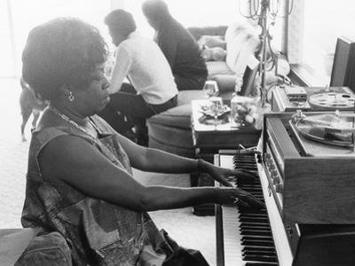Sarah Vaughan at Piano