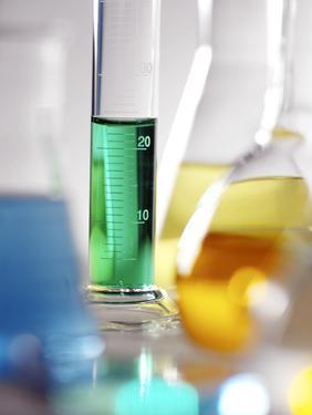 Laboratory Glassware by Tek Image