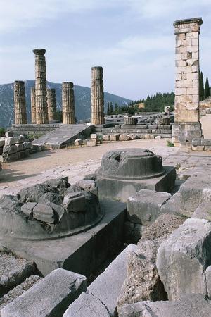 https://imgc.allpostersimages.com/img/posters/temple-of-apollo-delphi_u-L-PP9ZO40.jpg?p=0