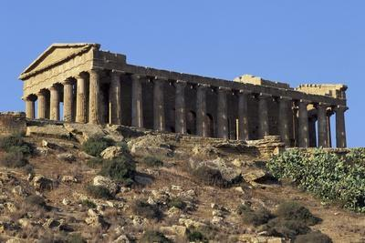 https://imgc.allpostersimages.com/img/posters/temple-of-concord-agrigento_u-L-PPP8XE0.jpg?p=0