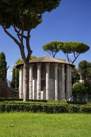 https://imgc.allpostersimages.com/img/posters/temple-of-hercules-victor-forum-boarium-2nd-century-bc-rome-lazio-italy-europe_u-L-PQ8T9B0.jpg?p=0