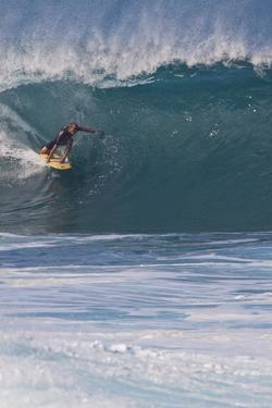 USA, Hawaii, Oahu, Surfers in Action at the Pipeline by Terry Eggers
