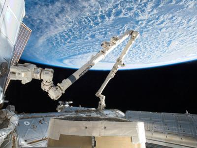 Flying a Practice Grapple on the Stationary Iss by Terry Virts