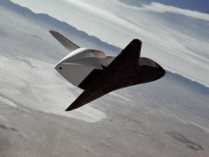 Test of Space Shuttle Prototype Enterprise in Free Flight Glide and Landing on Rogers Dry Lake Bed