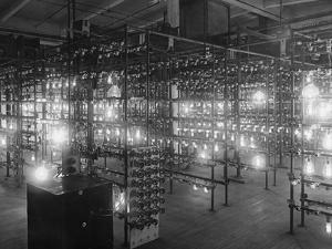 Testing the Life of Light Bulbs