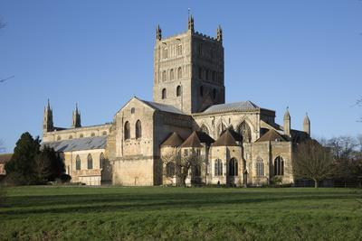 https://imgc.allpostersimages.com/img/posters/tewkesbury-abbey-abbey-church-of-st-mary-the-virgin-tewkesbury-gloucestershire-england-uk_u-L-PWFJPF0.jpg?artPerspective=n
