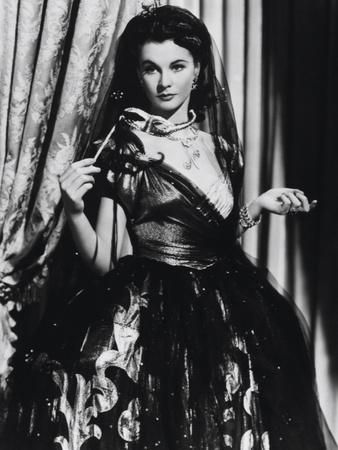 https://imgc.allpostersimages.com/img/posters/that-hamilton-woman-1941_u-L-Q10TWA20.jpg?artPerspective=n