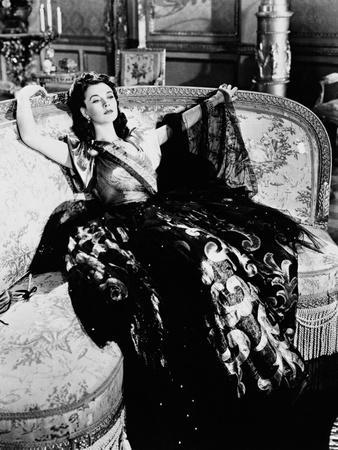 https://imgc.allpostersimages.com/img/posters/that-hamilton-woman-1941_u-L-Q10TWAT0.jpg?artPerspective=n