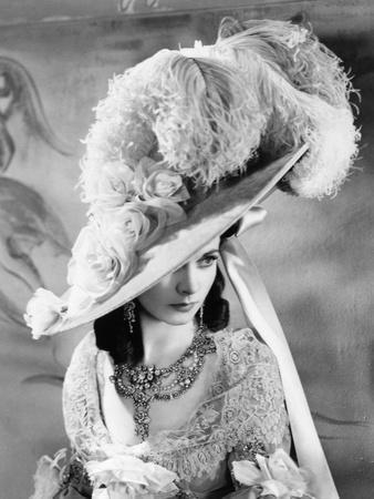 https://imgc.allpostersimages.com/img/posters/that-hamilton-woman-1941_u-L-Q10TWBP0.jpg?artPerspective=n