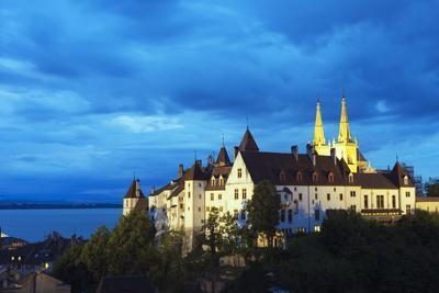 https://imgc.allpostersimages.com/img/posters/the-15th-century-chateau-and-cathedral-neuchatel-switzerland-europe_u-L-PNFQQK0.jpg?artPerspective=n