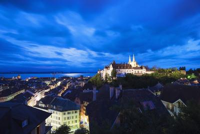 https://imgc.allpostersimages.com/img/posters/the-15th-century-chateau-and-cathedral-neuchatel-switzerland-europe_u-L-PNFQR80.jpg?artPerspective=n