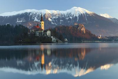 https://imgc.allpostersimages.com/img/posters/the-assumption-of-mary-pilgrimage-church-on-lake-bled-and-bled-castle-bled-slovenia-europe_u-L-PWFEGV0.jpg?p=0