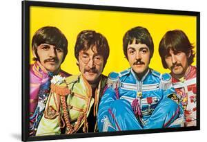 The Beatles - Sgt. Pepper'S Lonely Hearts Club