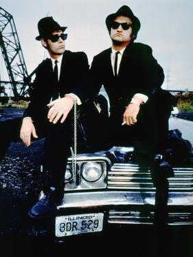 THE BLUES BROTHERS, 1980 directed by JOHN LANDIS Dan Aykroyd and John Belushi (photo)